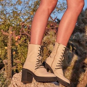 Free people Dylan lace up boot new size 41 Cream